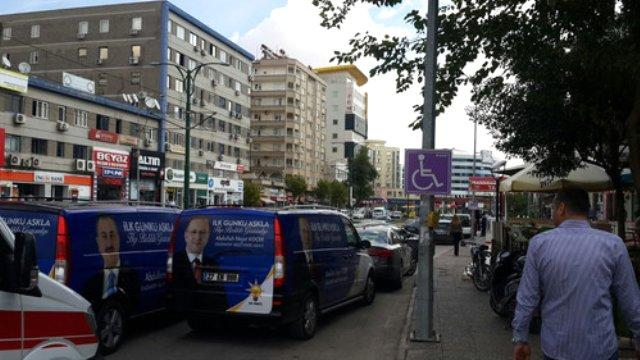 Ak Parti'de Seçimi Belediye İşçileri Yapıyor