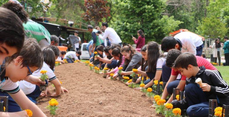 Çiçek Karnavalı ile Gaziantep'e renk katıyor
