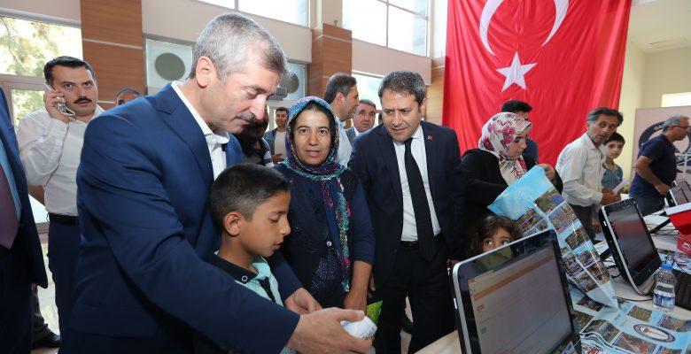 ŞAHİNBEY'DEN KARNE HEDİYESİ  SPOR AYAKKABI