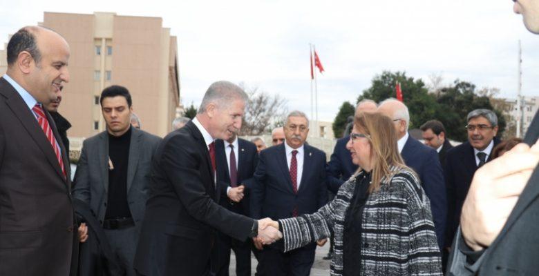 Bakan Pekcan'ın ilk durağı Gaziantep Valiliği