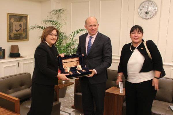 İngiltere Büyükelçisi Chilcott, Fatma Şahin i Ziyaret Etti