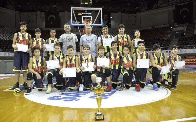Gkv Ortaokulu Yıldız Erkekler Basketbol Takımı Gaziantep Şampiyonu Oldu