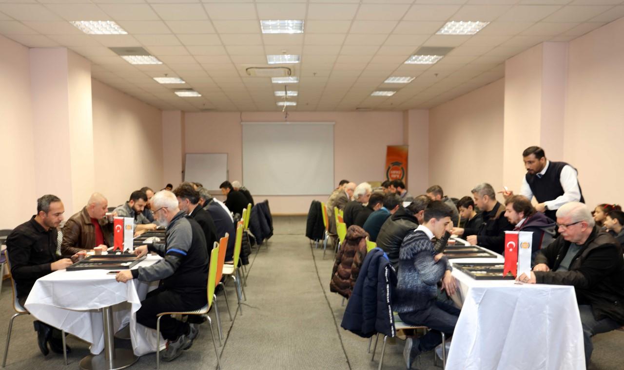 Sanko'dan Gazetecilere Tavla Turnuvası