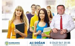 Ali Doğan'dan Öğrencilere Burs Desteği