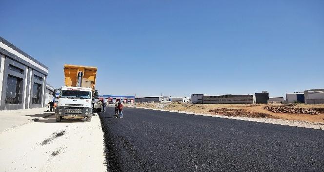 KÜSGET'te yeni açılan yollar asfaltlanıyor