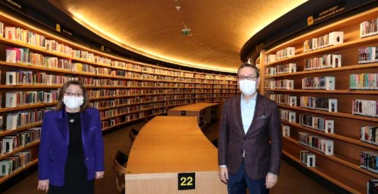 Başkan Şahin: Yeni dünyanın kodları Başakşehir'de kurulmuş