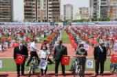 Kasapoğlu bisiklet dağıtım törenine katıldı