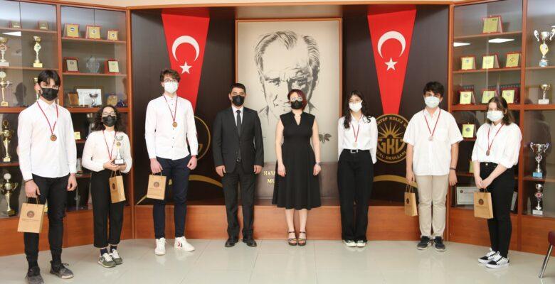 GKV'de Münazara Turnuvası Ödül Töreni heyecanı