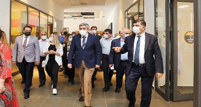 Fadıloğlu'ndan AK Parti yönetimine proje brifingi