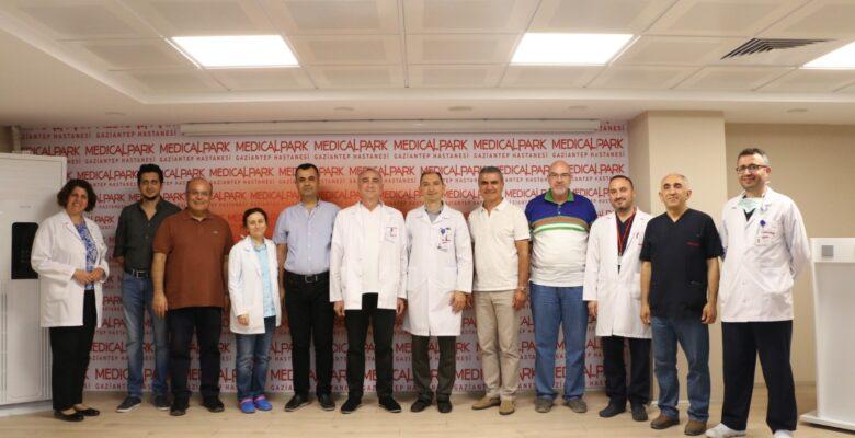 MEDICAL PARK'TA OP.DR.ERSİN BORAZAN İÇİN KUTLAMA
