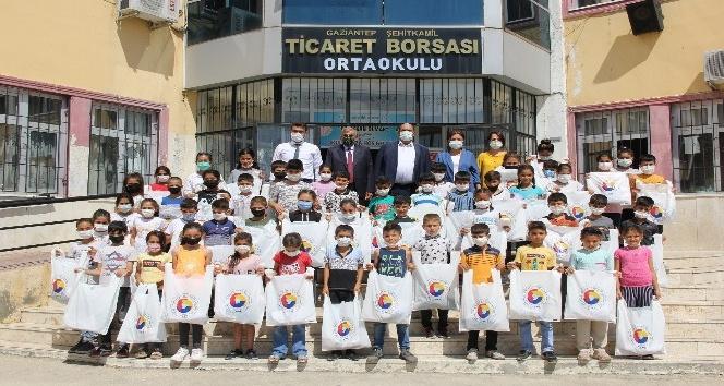 """GTB""""den öğrencilere okul kıyafeti desteği"""