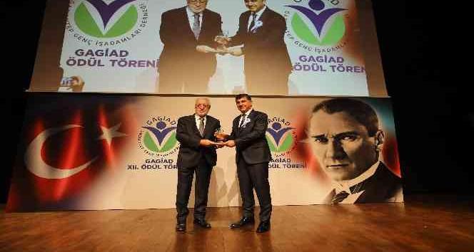 GAGİAD'tan Fadıloğlu'na ödül