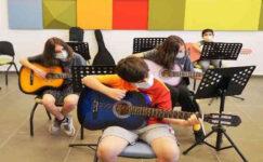 Şehitkamil'in gitar kursuna yoğun ilgi